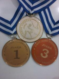 jual medali olahraga (J01)